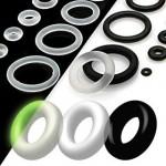 Piercing - náhradní černá gumička na plug (černá, 10 mm) [1]
