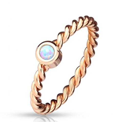 Zlacený ocelový prsten s opálem (50)